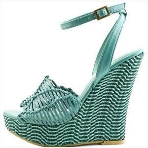 NWOT Chinese Laundry Blue Woven Wedge Sandal